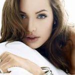 世界中の女性が憧れるアンジェリーナ・ジョリーの髪型の画像のまとめのサムネイル画像