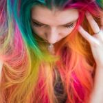 魅惑のカラフルヘア、マニックパニックでヘアカラーを楽しもう!のサムネイル画像