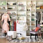 衣替えの季節到来!衣類を賢く収納する驚きのアイデアを集めました!のサムネイル画像