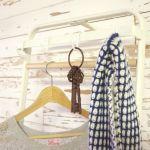 北欧風インテリアにぴったり!木製ハンガーラックで見せる収納へのサムネイル画像