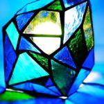 キラキラ煌めく素敵なステンドグラス!どのような材料が必要?のサムネイル画像
