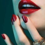 イイ女度上昇。赤ネイルはデザイン豊富でオールシーズンOK♡のサムネイル画像