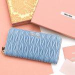 【新年はお財布も一新!】憧れブランドのお財布で2017年をHAPPYに♪のサムネイル画像