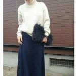可愛らしさは鉄板級☆白セーターを使ったレディースコーデ!!のサムネイル画像