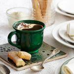 素敵な陶器のコーヒーカップで過ごす優雅な時間を演出しましょうのサムネイル画像