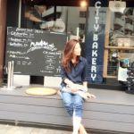 紺のシャツで大人っぽさを演出♡どんなシーンでも使えるアイテム!のサムネイル画像