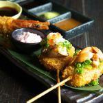 女子だっていくらでも食べられちゃう♡お酒が進みまくる《絶品串グルメ》東京3選のサムネイル画像