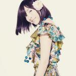 シンプルなのに麻生久美子の大人可愛いファッションが素敵すぎ!のサムネイル画像