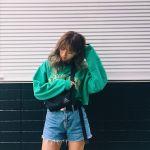 じわじわきてる⁉︎《サコッシュ女子》コーディネート集めました♡のサムネイル画像