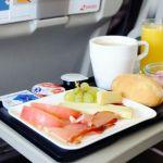 翼の上で堪能!ご当地コラボもあるLCC機内食をご紹介!のサムネイル画像