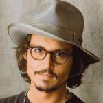 メガネなど小物も気になるジョニーデップのファッションブランドは?のサムネイル画像