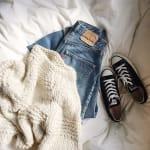 冬だって《スニーカーコーデ》が可愛い!【コンバース】コーデ特集♡のサムネイル画像