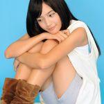 ミニスカート&ノースリーブ姿でのカワイイ始球式!!川口春奈のサムネイル画像