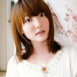 人気女性声優・花澤香奈。滅多に無い花澤香奈の水着姿とは??のサムネイル画像