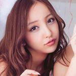 意外と小さかった!元AKB48板野友美の身長はどれくらい!?のサムネイル画像