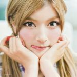 やっぱりローラはすごかった!韓国人気グループ・少女時代を公開処刑のサムネイル画像
