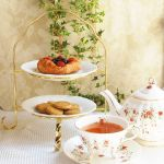 敷居は高くない!アフタヌーンティーには優雅なケーキスタンドをのサムネイル画像