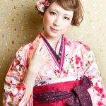 卒業式はコレで決まり!可愛い袴と髪飾りでみんなより目立っちゃおうのサムネイル画像
