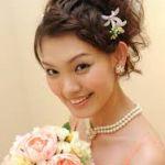 結婚間近!いざ憧れの花嫁に☆結婚式当日の髪型はどうする?のサムネイル画像