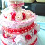 【出産祝いに】大人気のおむつケーキを手作りしよう!【簡単!】のサムネイル画像