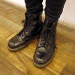 おしゃれの定番!足元を彩るドクターマーチン・コーディネート集のサムネイル画像