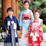 日本の伝統行事「七五三」。ふさわしい服装と髪型を解説します。のサムネイル画像