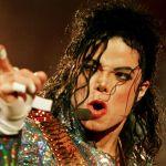 マイケルジャクソンは整形マニアだった?!整形中毒の真実とは…?のサムネイル画像