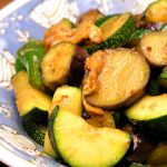 どうやって食べれば美味しい?ズッキーニを使った簡単レシピをご紹介のサムネイル画像