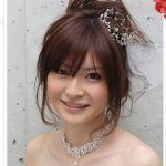 【ドレス】披露宴で人気がある女性向けの髪型が気になる!【着物】のサムネイル画像