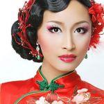 レトロから今風アレンジまで、チャイナドレスに合う髪型って?のサムネイル画像