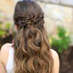 ミディアムヘアでも簡単。可愛くてオシャレなまとめ髪を紹介しますのサムネイル画像
