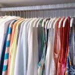 服をハンガーラックに掛けてオシャレに収納する方法を紹介します!のサムネイル画像