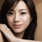 しっとり系女優「井川遥」の髪型・ファッションにクローズアップ!のサムネイル画像