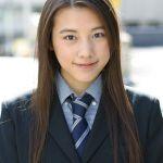 女優・仲里依紗の私服がダサすぎると話題になっているようですのサムネイル画像