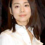 女優 石田ゆり子の父親はお金持ち?勤め先、職業などを調査!のサムネイル画像