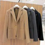秋に活躍!ジャケットの定番コーディネートから流行までの着こなし術のサムネイル画像
