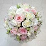 花嫁さんが結婚式に持ちたいブーケ☆どんなお花が人気なの?のサムネイル画像