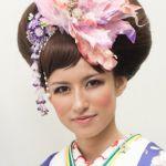 【画像あり】花嫁さん必見!タイプ別色打掛の髪型をご紹介!のサムネイル画像