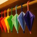 子供と一緒に楽しく!折り紙でカラフルな傘を作ってみませんか?のサムネイル画像