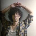 RADWIMPSの野田洋次郎は、家中の窓を拭きまくって映画デビュー!?のサムネイル画像