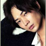 【画像あり】雰囲気イケメン綾野剛の出身地、出身高校、出演作は?のサムネイル画像