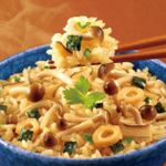 具材を混ぜて炊くだけ!炊き込みご飯のレシピを紹介します☆のサムネイル画像