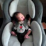 【要注意】新生児からチャイルドシートに乗せて大丈夫なの!?のサムネイル画像