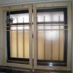 窓を、DIYで、補修したり、二重窓を作ったり。DIY作業を行います!のサムネイル画像