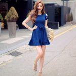 青のワンピースがおしゃれ。大人可愛い&カジュアルコーデを紹介のサムネイル画像