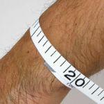 腕時計の位置は何故ずれる?はめ方が悪いのか、解決不能ですのサムネイル画像