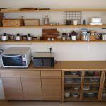 シンプルな無印良品の食器棚をおしゃれにかわいく使ってみましょう!のサムネイル画像