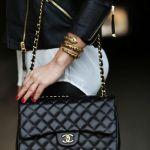 即完売! 人気ブランドの新作バッグをゲットする秘密のテクのサムネイル画像