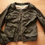 お洒落で購入しやすいしまむらで新しいジャケットコーデを楽しもう!のサムネイル画像