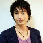 小顔の男性といえば人気俳優・向井理!え、女性よりも小さいの?!のサムネイル画像